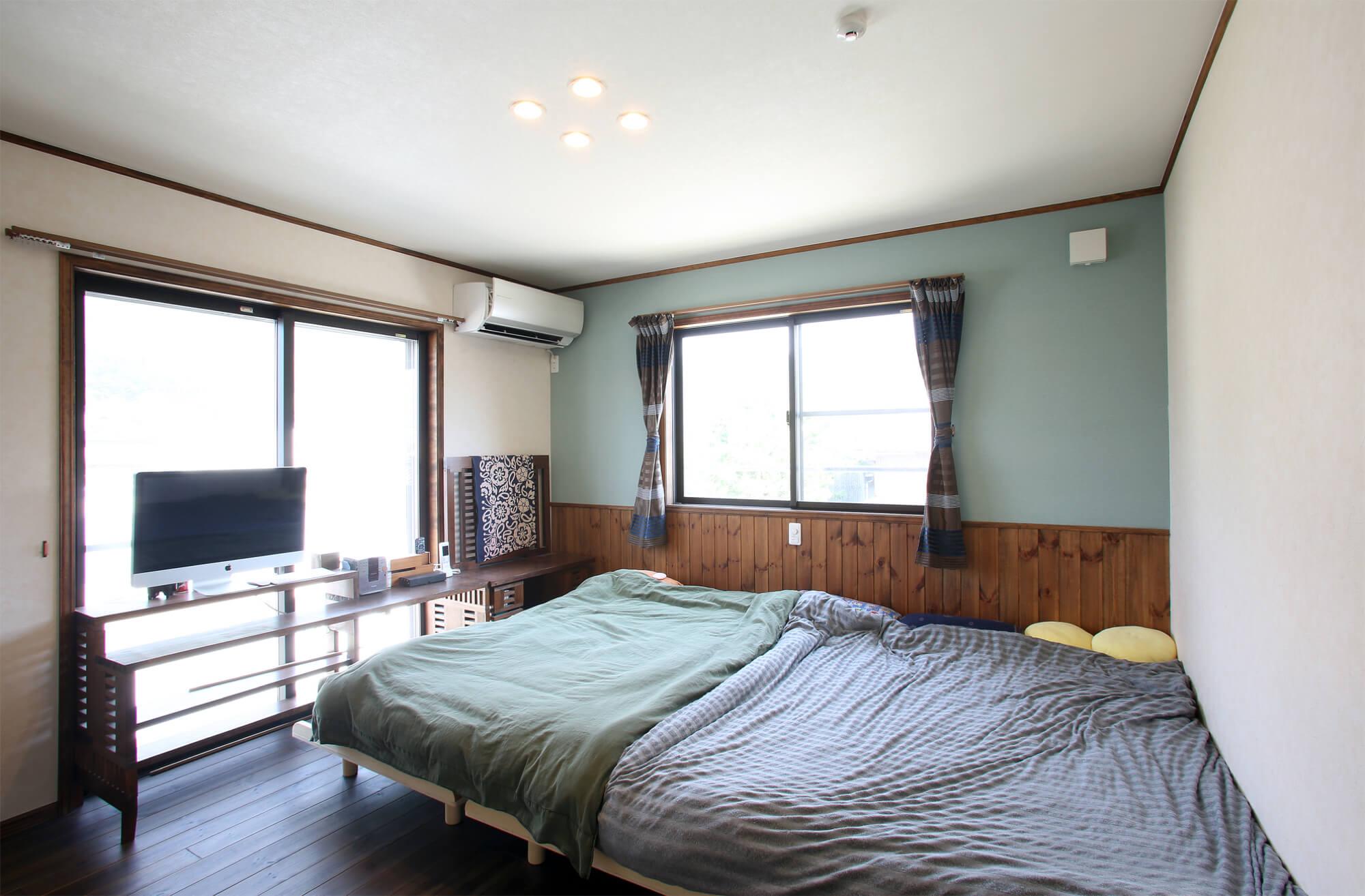 光をいっぱい取り込める寝室